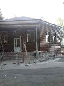 Дом з блок хаусу.